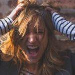 頭皮の加齢臭に悩む女性必見!原因と対策を紹介!